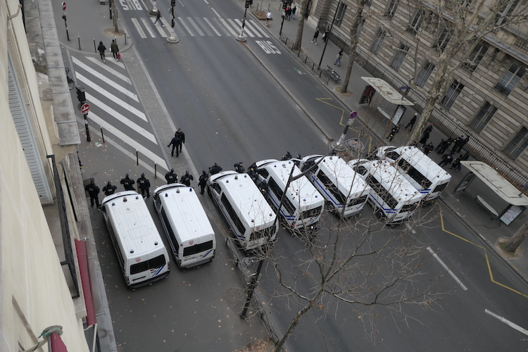 crs-barricade