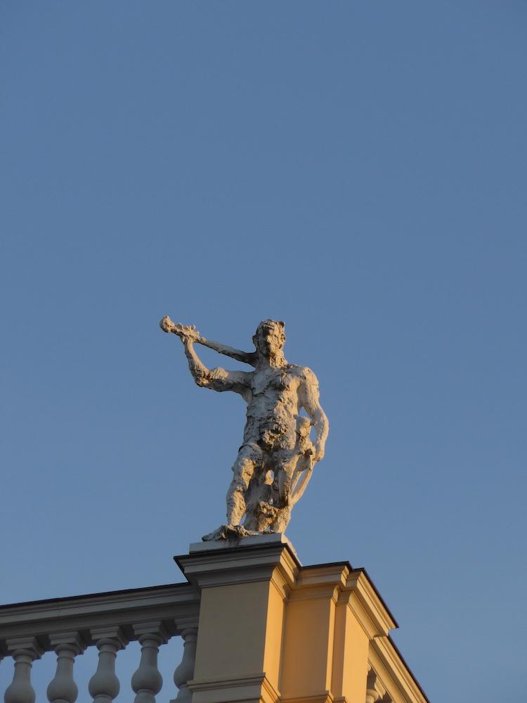 statue-Charlottenburg-Palace